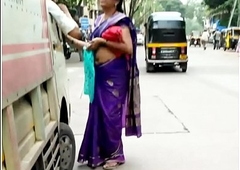Perfect Chunky NAVEL IN VIOLET SAREE