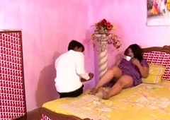 Hot Busty N Indian Aunty s Huge Bristols Nipple Slip Porn